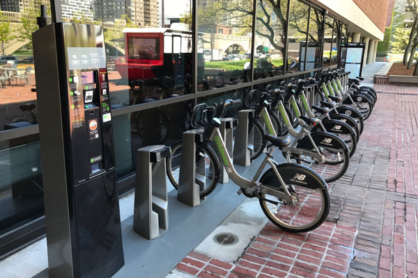 Hubway station at MoS